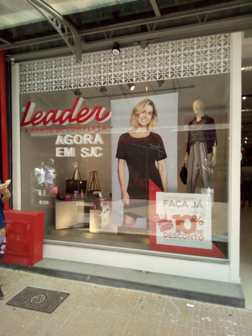 Lojas Leader visual merchandising varejo moda (24)
